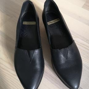 Vagabond plateau sko i sort læder. Skoene er kun prøvet på og har aldrig været brugt.  Køber betaler fragt