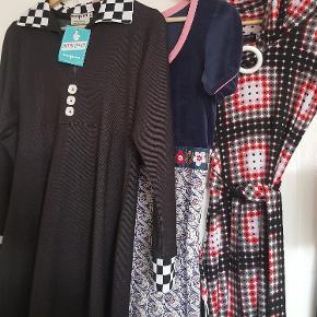Margot kjoler sælges den sorte er ny med mærke nr 2 i pæn stand og nr 3 god men brugt og der er to små huller foranpå kjolen