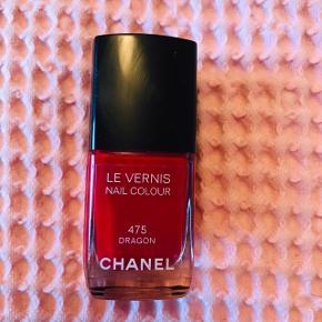 Smuk rød neglelak fra Chanel ❤️♥️