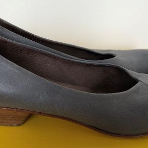 Lofina heels