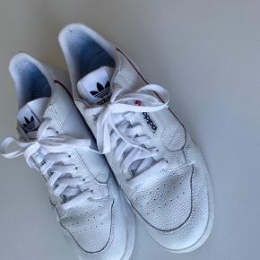 Adidas Continental 80. I rigtig fin stand.