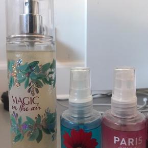 Bath and bodyworks parfume. De 3 af dem er brugt meget lidt, der er stadig massere tilbage. Den røde er aldrig brugt. Den store er med glimmer i. Byd gerne prisen er ikke fast