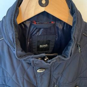 Super lækker jakke i god kvalitet. Perfekt til overgangsjakke. Er blevet for stor.