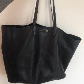 Day Birger et Mikkelsen taske, stor og rumlig taske.