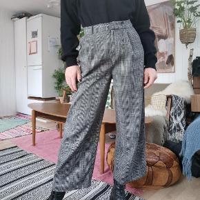 Fede bukser fra asos Lidt oversized morfar stil Str. 36