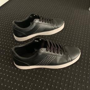 ZARA sneakers  Str 44   Ubrugt   Cond 10/10