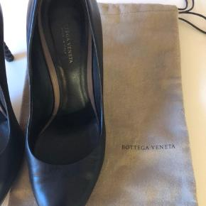 Virkelig flotte Pump fra Bottega V med den flotteste hæl i deres flet - kun brugt lidt og har nye såler på
