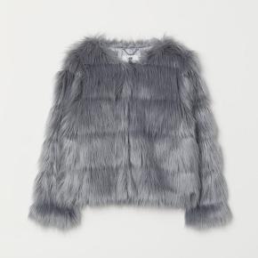 Skøn overgangsjakke, sælges fordi den er købt for lille