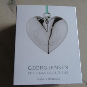 Smuk Georg Jensen julepynt fra 2016, hjerte i original æske.