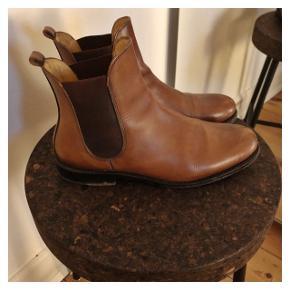 Læderstøvler fra Bowen, købt i Paris.  Nypris 1750kr  Brugt få gange.