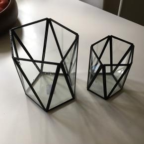 Asymetriske Sorte metal og glas lysestager