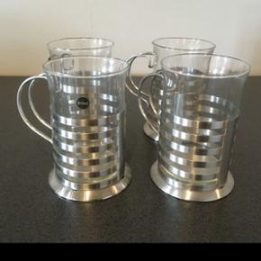 irish coffee glas fra Zone  4 stk er i fin stand  Afhentes 6818 eller medbringes til 6700 ifølge aftale