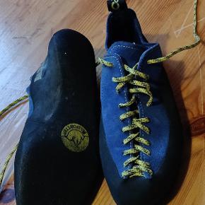 Used twice klatringsko climbing shoes. They are 37 but they feel like a 38. Klatring sko. La Sportiva