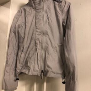 Superdry jakke. Fin til vejret.  Bytter gerne