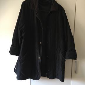 Sælger denne super fede vintage jakke/frakke. Den er vatteret og er nok mest en overgangsjakke her til foråret. 🌸  Super fin.  Giv er bud.