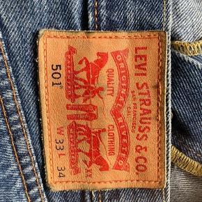 Levi's bukser I god stand, men brugte  W 33 L 34