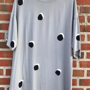 Smuk Stine Goya kjole eller lang overdel.  Køber betaler fragten