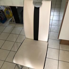 4 chaises pour 40frs