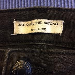 Str L Længde 32 Jacqueline de Yong Brugt 3-4 gange Fra røgfrit hjem