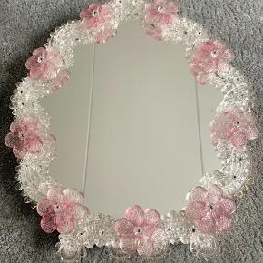 Smukt vintage Murano spejl - ca. 35x30 cm.
