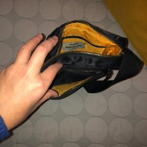 Mads Nørgaard Bel Air Capri taske sælges. Har været brugt meget få gerne og ser rigtig fin ud. Kan sende flere billede søndag aften.