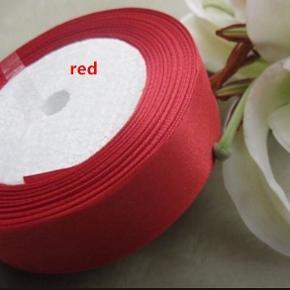 Bånd rød og hvid brugt til balloner i lørdags 15kr pr styk