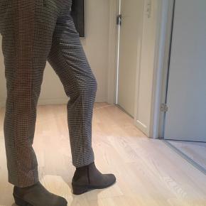 Ternet bukser fra levete room str. 36 😊