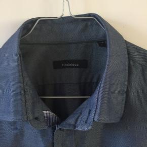 Skjorte af god kvalitet. Sælges kun fordi den er for lille.