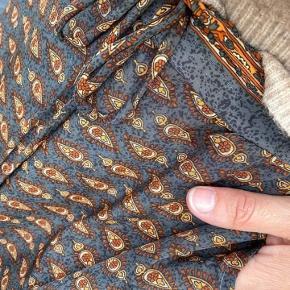 Super flot nederdel fra Black Colour i str M