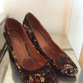 Unmade Copenhagen heels