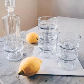 Rigtig fine glas du kan stable 💕 6 stk 150kr sælges samlet - karaffel 95kr   Sender gerne 💌