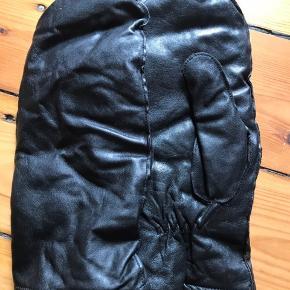 Helt nye luffer i læder. Fra mærket Decoy. Str.xl. Byd