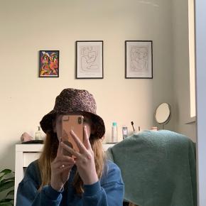 Monki hat & hue