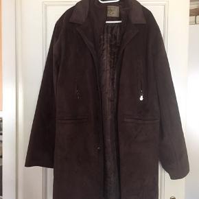 Reportage R.G.A. ITALY. Ruskinds jakke. L/XL  Aldrig brugt  Velkommen til at komme og prøve den.