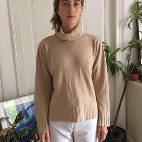Dejlig sweater med krave