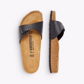 Nye Madrid sandaler, kun brugt kort en enkelt gang ☺️
