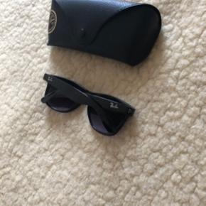 Rayban solbriller.   Bytter gerne med solbriller fra Ganni