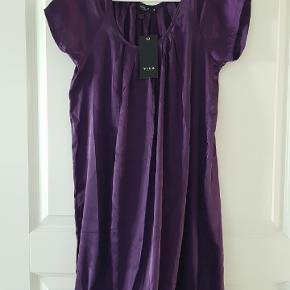 Helt ny kjole fra Vila..  70pp