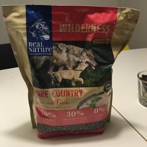 Hundefoder 500gJunior wilderness pure country kylling og fisk. Aldrig åbnet. Hundefoder. Kom med et bud.