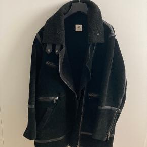 H&M Studio Collection pels- & skindjakke