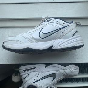 Ingen skader, flaws mm. Fede Nike monarch i 46