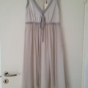 9c7d06938b99 Smuk kjole fra By Groth