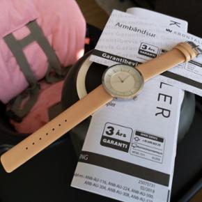 Krippl watch Germany (Nyt og ubrugt). Quartz.  Dame model. 38mm kasse. 18mm rem. 3 års garanti.   Nypris: ca. 200,- Sælges billigt for 79,-  !
