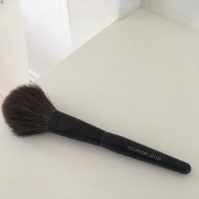 Super powder brush - nypris kr. 450,-