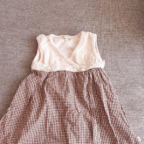 Næsten som ny kjole fra Tina Wodstrup.  Kig endelig forbi mine andre annoncer.   Kan hentes på Amager eller sendes mod betaling