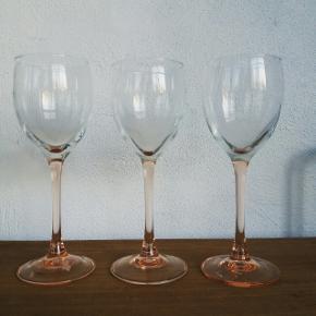Luminarc France hvidvinsglas. 3 stk. Lyserød stilk. Pr stk