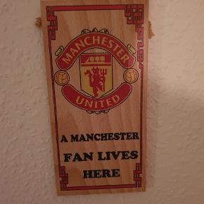 Lille Manchester United træskilt. Kom med bud!