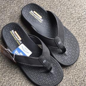 Sketchers sandaler. Super lækre.