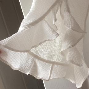 Bluse Farve: Hvid Oprindelig købspris: 1100 kr.