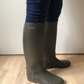 L'Autre Chose lækre gummistøvler i ridestøvlefacon. Købt i Notabene #secondchancesummer